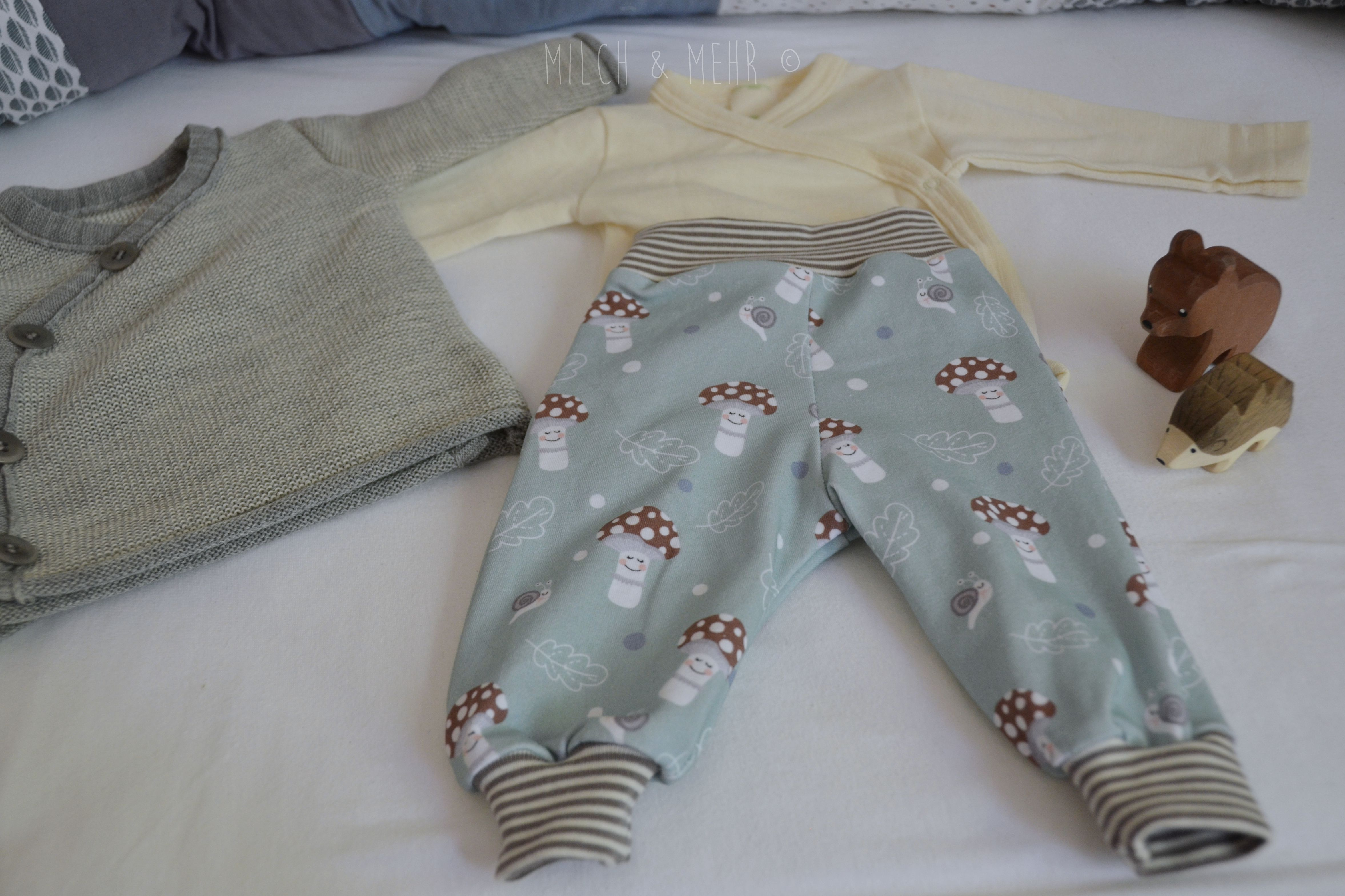 erstes Outfit fuer Herbstbaby Wolle Seide